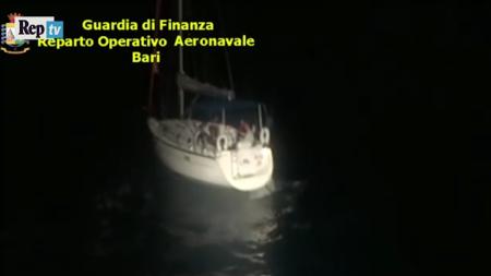 Migranti: veliero con 60 a bordo a Leuca, presi due scafisti