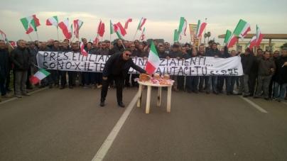 SS275: la protesta dei lavoratori a Natale