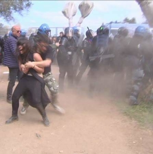 Gasdotto Tap: scontri tra polizia e manifestanti