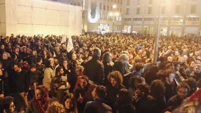 Gasdotto Tap, la protesta continua in Piazza Sant'Oronzo