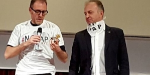 No Tap, Valerio Mastandrea dedica 'L'ulivo d'oro' a chi lotta