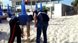 Realizza lido abusivo spianando le dune