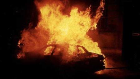 Incendiate sei auto, un'abitazione e uno studio di avvocato