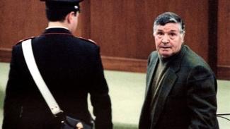 Mafia, arrestato il genero di Totò Riina