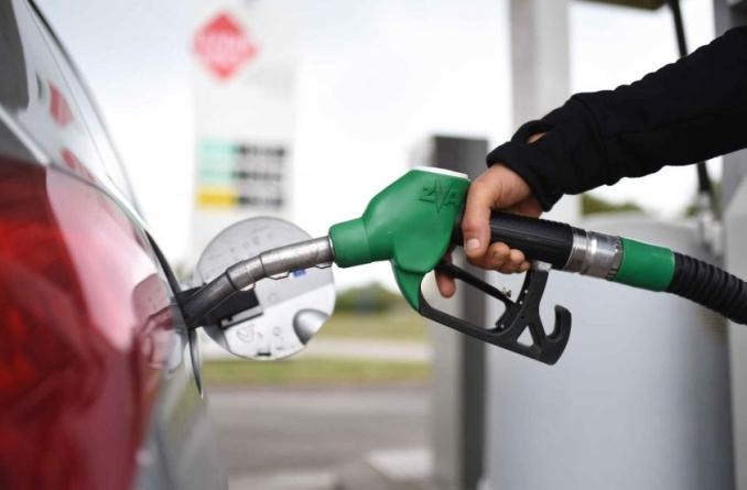 Gasolio non raffinato fa finire in panne centinaia di automobilisti: scatta l'inchiesta