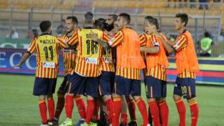 Il Lecce batte il Catanzaro 3-1: subito in gol Saraniti