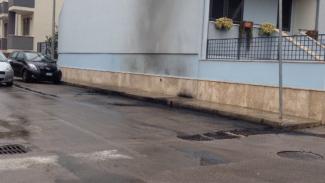 Incendiata nella notte l'auto del comandante dei vigili urbani di Arnesano