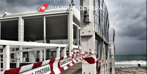 Sequestrato dalla Guardia Costiera il lido Buenaventura per abusi edilizi