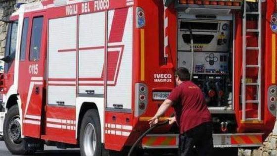 Esplode in casa una bombola di gas: ferita una donna di 35 anni