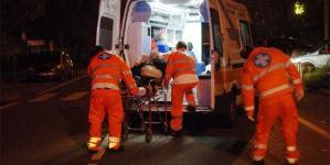 Ubriaco al volante travolge scooter: coppia minorenne finisce in ospedale