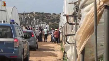 Caporalato: arrestato 36enne nel Leccese