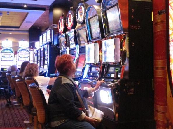 Slot machine truccate, sequestri beni per 15 milioni di euro