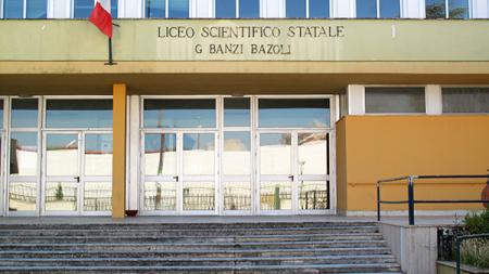 Atti vandalici nella notte prima degli esami al Liceo Banzi