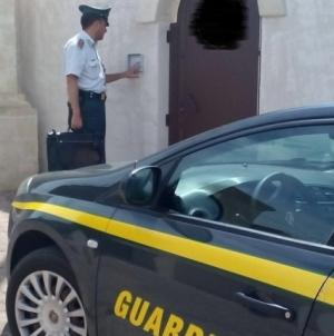 Intascava cauzioni delle aste giudiziarie: arrestata 45enne leccese