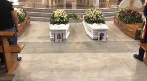 Strage famigliare: in centinaia ai funerali