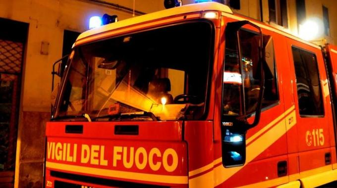 A fuoco auto della moglie del presidente Sgm di Lecce Mino Frasca