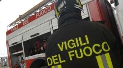 Paura a Nardò: auto sventrata dall'esplosione di una bombola