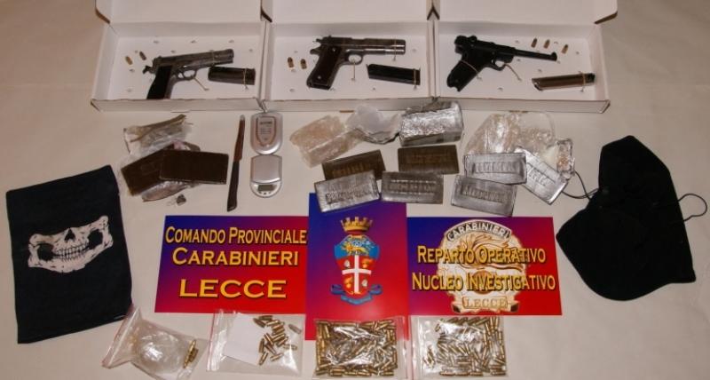 Arrestato 23enne trovato in possesso di armi e droga