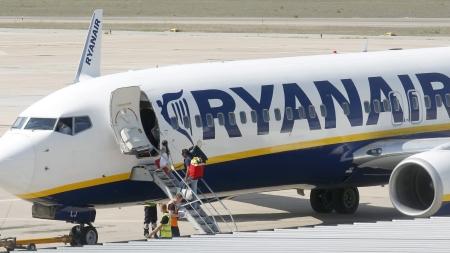 Turismo, la Regione raddoppia i finanziamenti per voli low cost