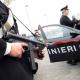 Tenta di disfarsi della droga durante un controllo: arrestato 55enne