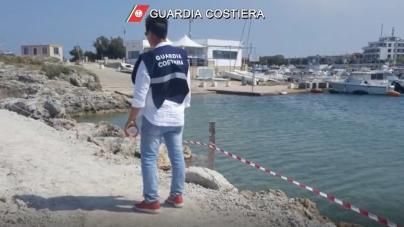Lavori abusivi nel porto di San Foca