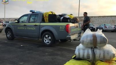 Sequestrati 6 quintali di marijuana al largo di San Cataldo
