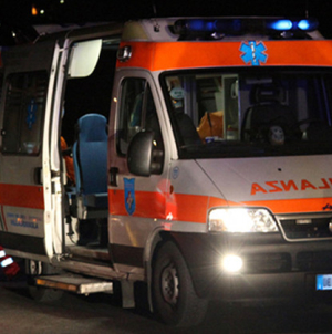 Schianto con l'auto sulla SS101 dopo serata con gli amici: muore 27enne
