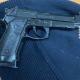Scoperto a bordo di un'auto rubato con una pistola: arrestato 34enne