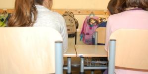 Maestro aggredito dai genitori di un alunno finisce in ospedale