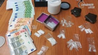 Sorpreso con denaro e 15 grammi di shaboo, la nuova droga cinese: arrestato 55enne