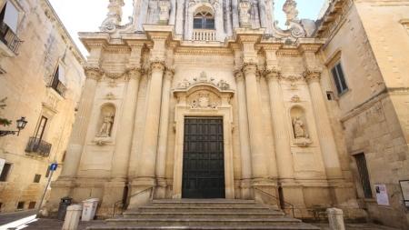 Ticket obbligatorio per entrare in chiesa: parte oggi tra le polemiche