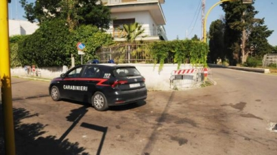 Auto contro muretto di una villa: quattro giovani in ospedale, due sono gravi