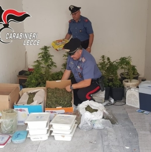 Scoperto in casa con 18 kg di marijuana: arrestato 36enne a San Foca
