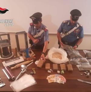 Laboratorio della droga in casa: arrestato 34enne