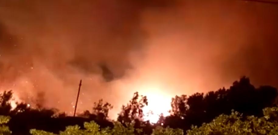 Vasto incendio tra Tricase Porto e Marina di Andrano: distrutto ex camping