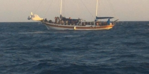 Veliero con 15 migranti a bordo sbarca sulle coste salentine