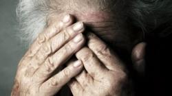 Anziana di 94 anni lasciata sola in ospedale: Carabinieri a caccia dei parenti