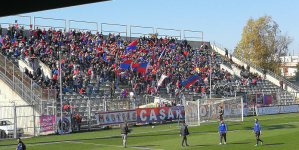 Scontri e sassaiola durante Casarano-Taranto: denunciati 17 tifosi