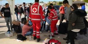 Nuovo sbarco a largo di Leuca: intercettato gommone con 44 migranti