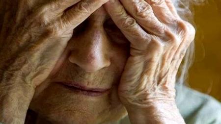 Blitz dei Nas in una casa di riposo, anziani immobilizzati e maltrattati: 11 denunce