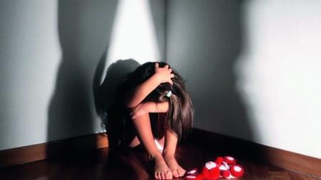 Abusi sessuali su ragazzini in un casolare: fermato 70enne