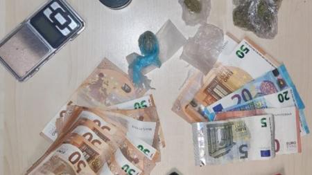 Sorpreso in casa con droga e denaro: arrestato 20enne