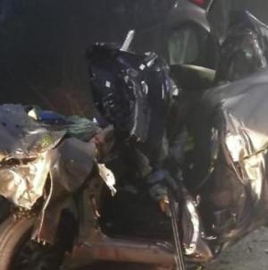 Si schianta con l'auto contro albero dopo la discoteca: muore 26enne leccese